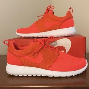 Nike Roshe Run Crimson Red